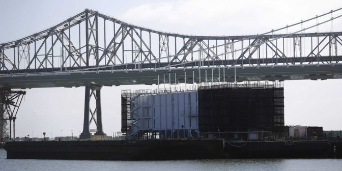 The Mystery Google Barge Arrives At A New Port (video)